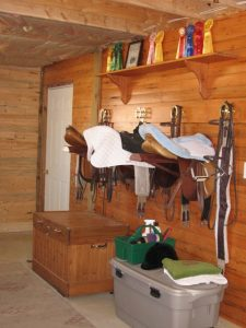Air conditioned/heated tack room, bathroom, washer/dryer